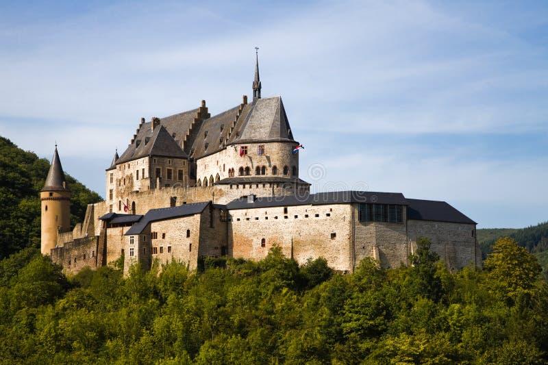 slottet medeltida luxembourg vianden royaltyfria bilder