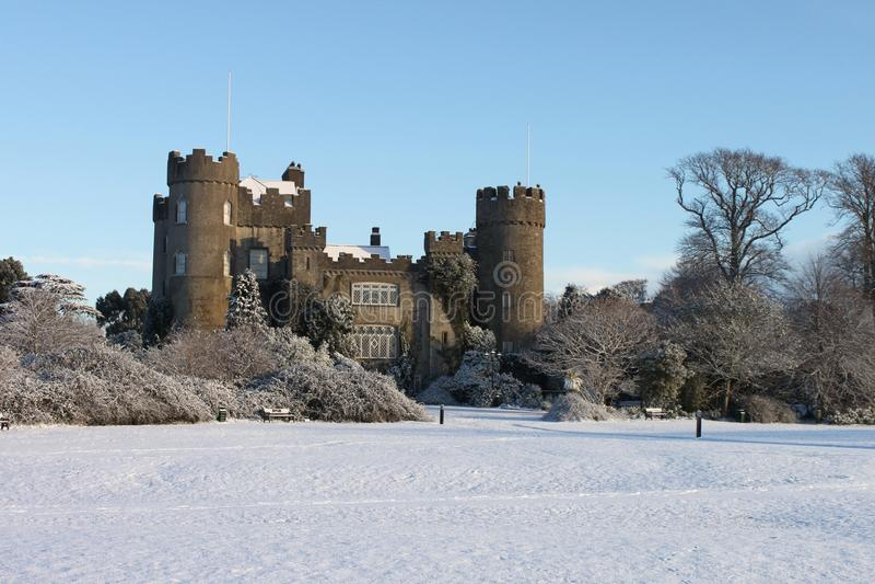 slottet räknade malahidesnow royaltyfri bild