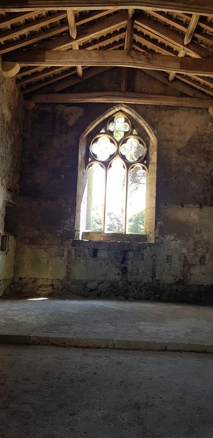 Slottfönsterbåge royaltyfri foto