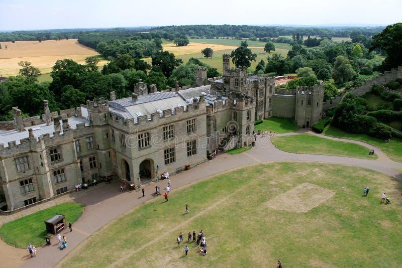 Slottjordning med en bygdsikt royaltyfria foton