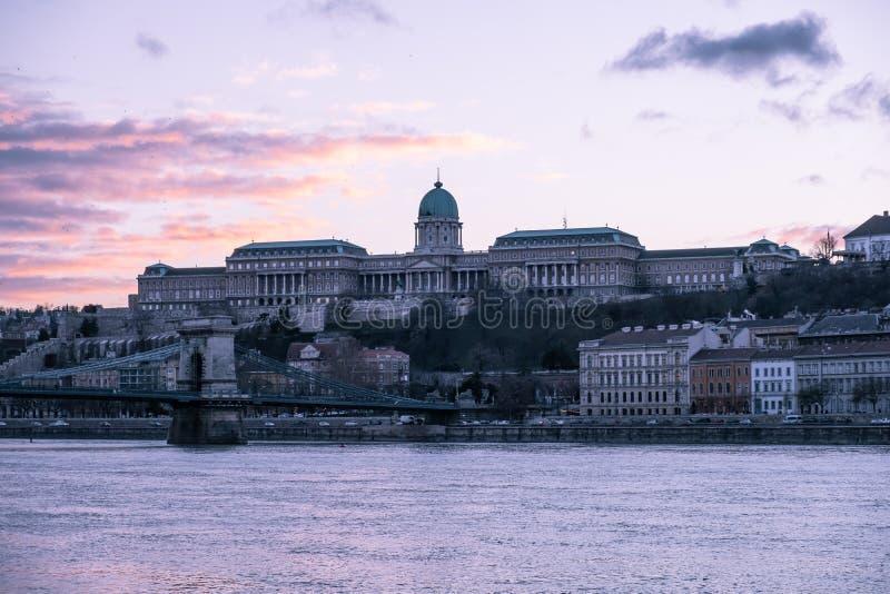 Slottkulle på solnedgången, Budapest royaltyfri fotografi