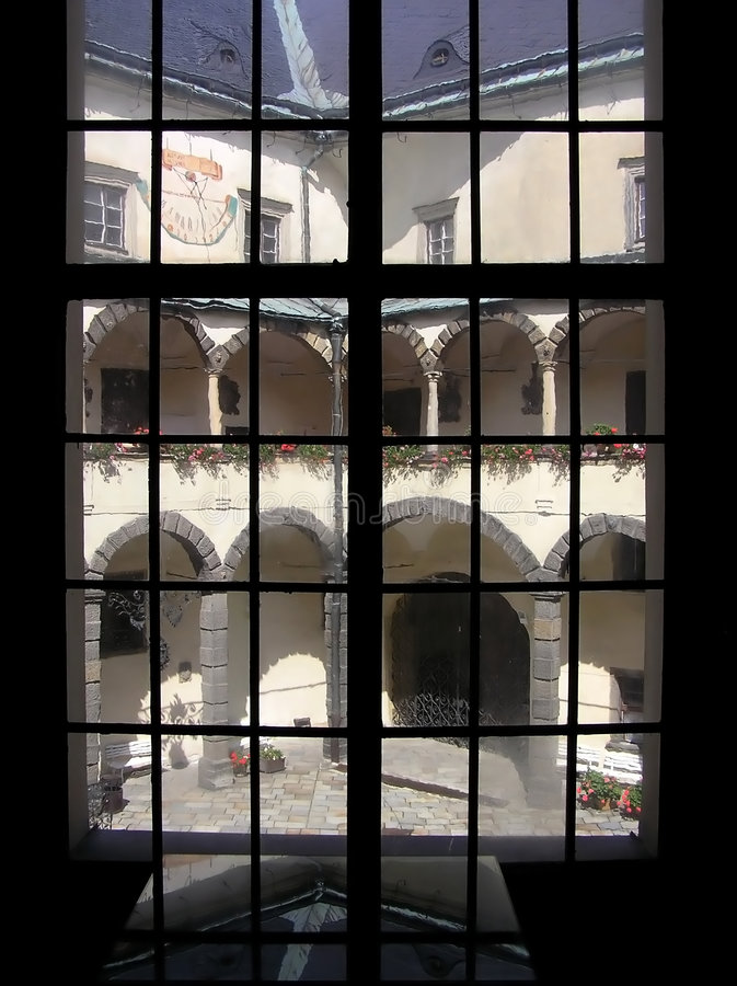 slottlookfönster arkivfoto