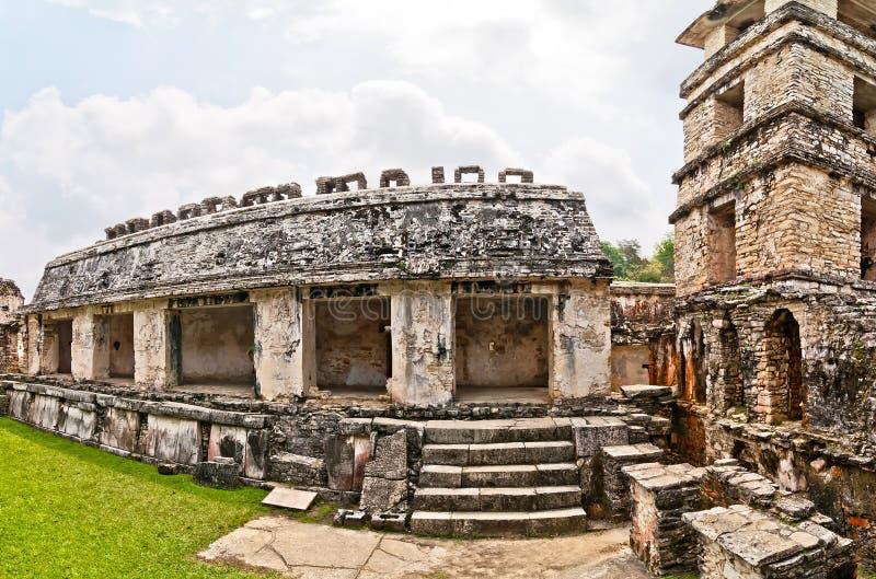 Slottobservationstorn i Palenque, Chiapas, Mexico arkivbilder
