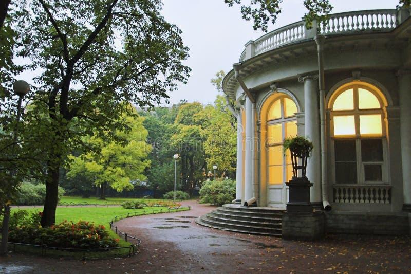 slottpark royaltyfri bild
