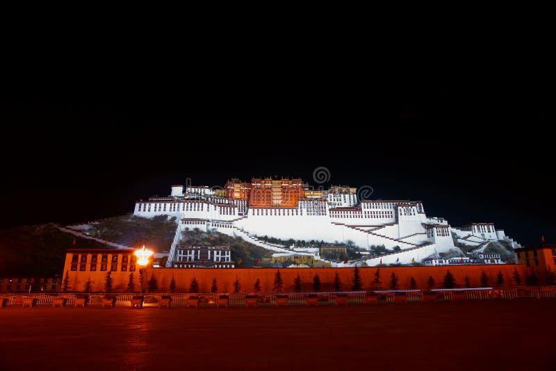 slottpotala tibet royaltyfria bilder
