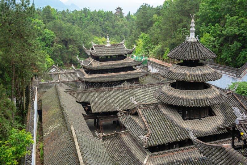 Slotttak i Enshi Tusi den imperialistiska forntida staden i Hubei Kina fotografering för bildbyråer