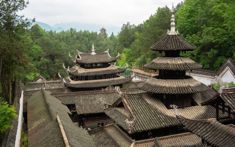 Slotttak i Enshi Tusi den imperialistiska forntida staden i Hubei Kina arkivfoto