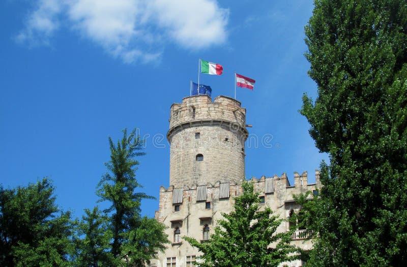 Slotttorn i Trento, Italien arkivfoto