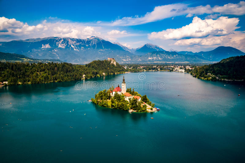 Slovenia - kurortu jezioro Krwawiący obraz stock