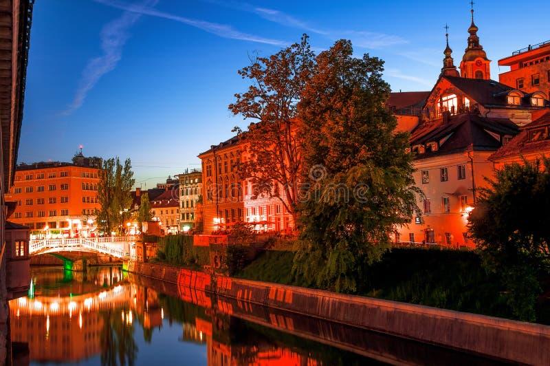 slovenia transferrina Bella vista di notte della capitale di Slov fotografia stock libera da diritti