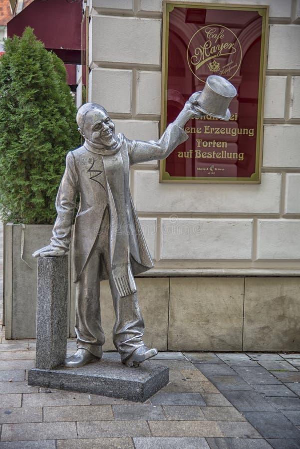 Slowakije, Bratislava - November vijfde, de historische oude stad van 2017, gebouwen van austro-hungarian imperium met standbeeld stock afbeelding