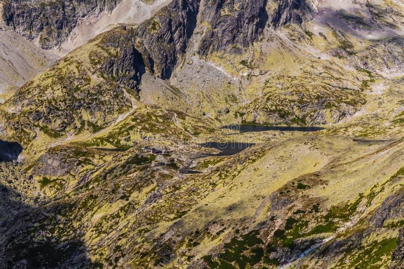 Slowakisches Tatras Slowakisches Tal von fünf Teichen stockbild