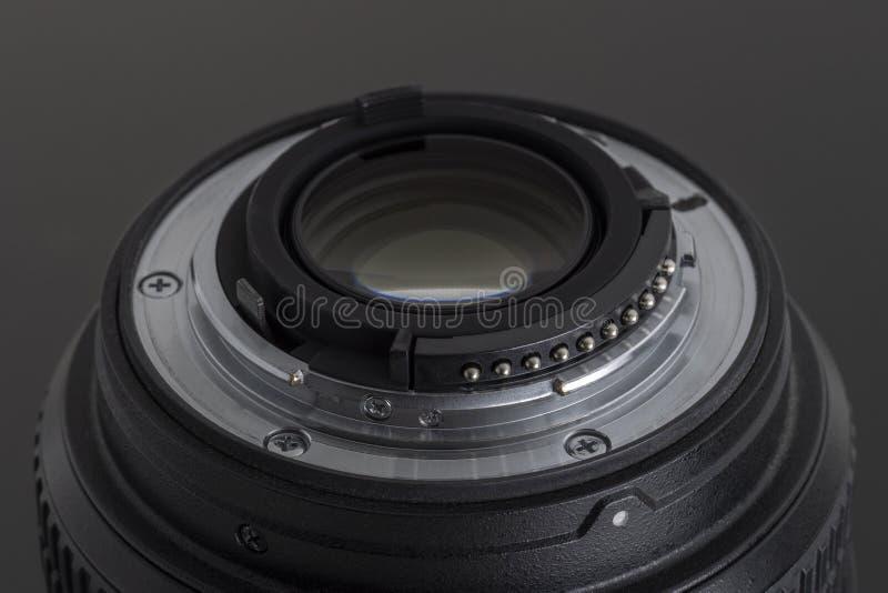 Sluit mening van het detail omhoog de achterelement van fotodslr camera of videolens stock foto