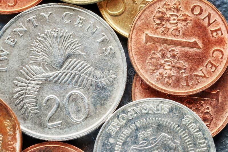 Sluit omhoog beeld van de dollarmuntstukken van Singapore stock foto