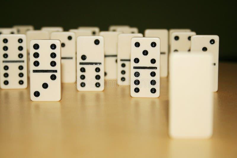 Sluit omhoog beeld van domino's, van de menigte stock foto