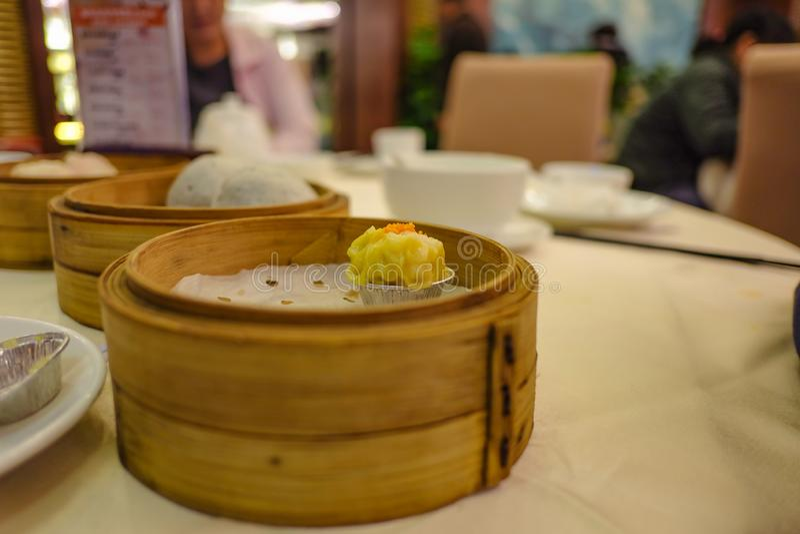 Sluit omhoog Chinese Gestoomde Bol of Shumai stock foto