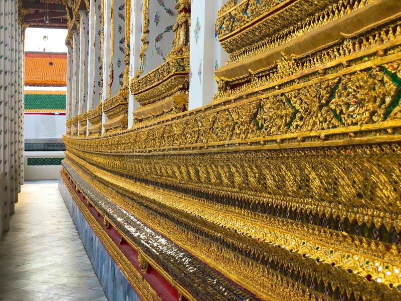 Sluit omhoog detail van tempelpaviljoen in Wat Arun Ratchawararam, Tempel van Dawn stock fotografie