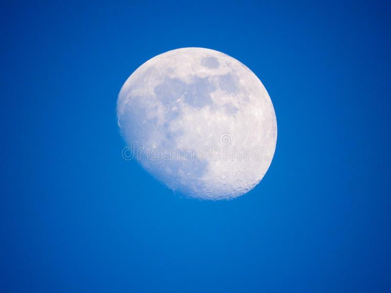 Sluit omhoog foto van maan in de nacht stock foto's