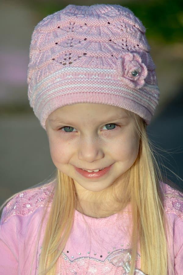 Sluit omhoog geschoten van een klein meisje stock foto's