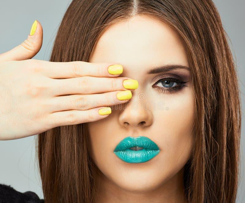 Sluit omhoog het model van de gezichtsvrouw in schoonheid royalty-vrije stock foto