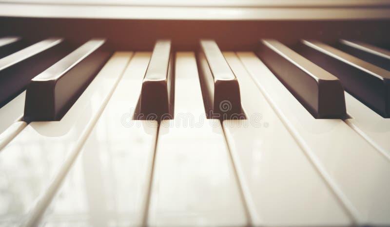 Sluit omhoog het Toetsenbord van de Piano royalty-vrije stock afbeelding