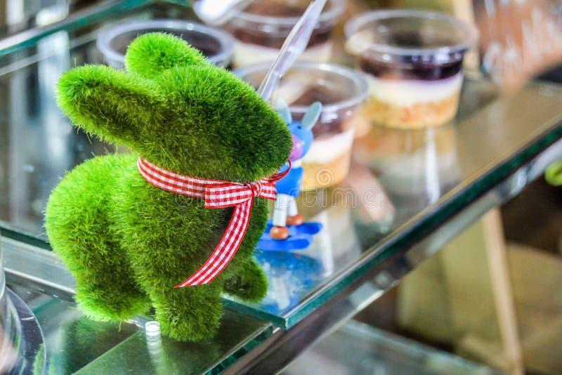 Sluit omhoog konijn in het glas royalty-vrije stock afbeeldingen