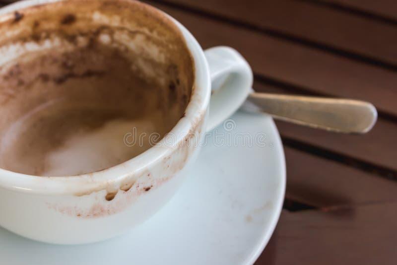 Sluit omhoog lege koffiekop royalty-vrije stock afbeeldingen