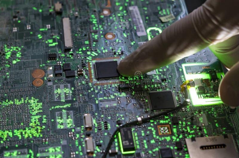 Sluit omhoog mooie nano elektronische technologieraad F stock afbeeldingen