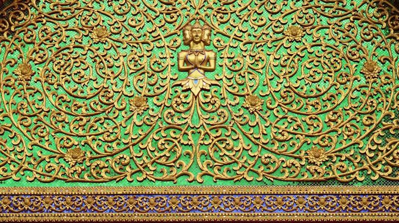 Sluit omhoog Patroon van de Thaise stijl van het tempeldak royalty-vrije stock afbeelding