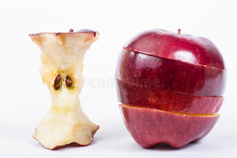 Sluit omhoog Rode appel bited aan de kern royalty-vrije stock afbeelding