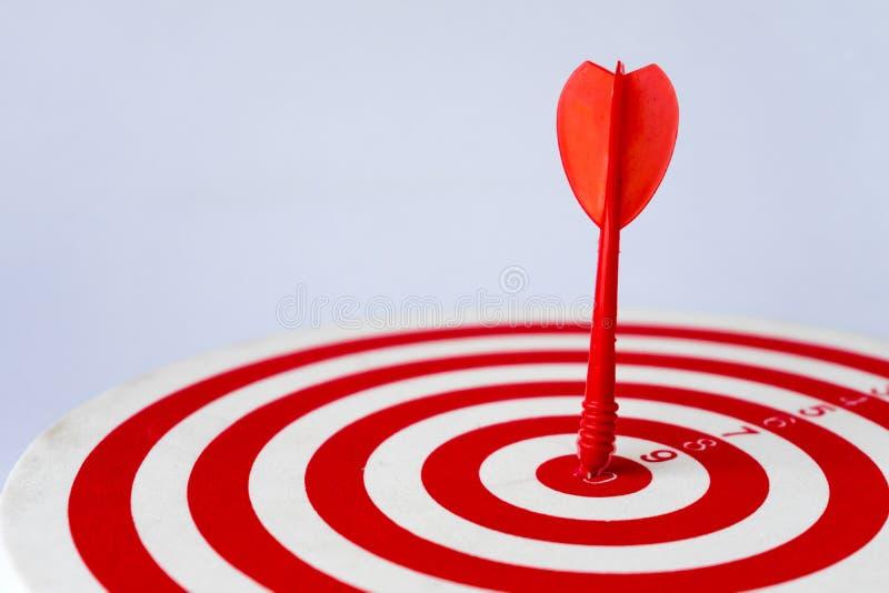 Sluit omhoog rood dartboard royalty-vrije stock foto