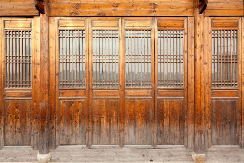 Sluit omhoog traditionele Chinese stijl houten deur royalty-vrije stock fotografie