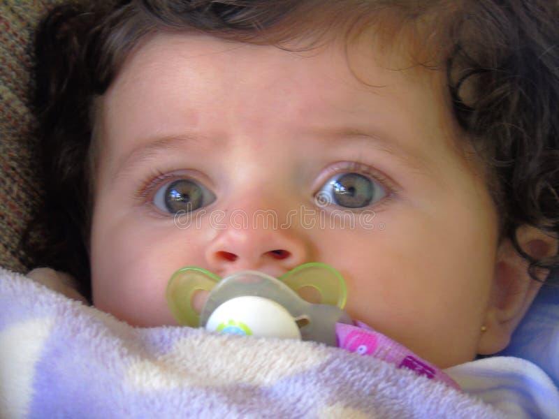 Sluit omhoog van babygezicht & oog royalty-vrije stock afbeeldingen