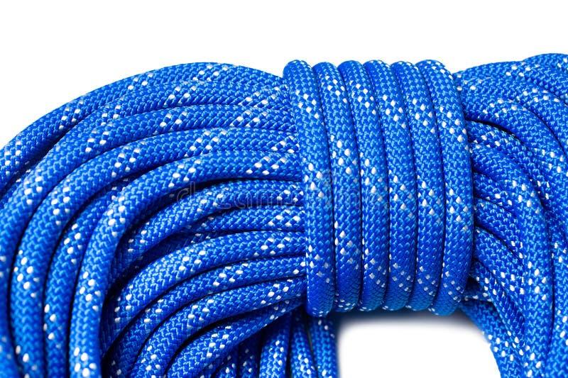 Sluit omhoog van bocht van dynamische kabel gebruikend in sport het beklimmen stock afbeelding