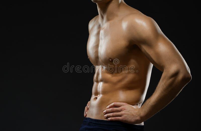 Sluit omhoog van de borst van het naakte mannetje stock foto's
