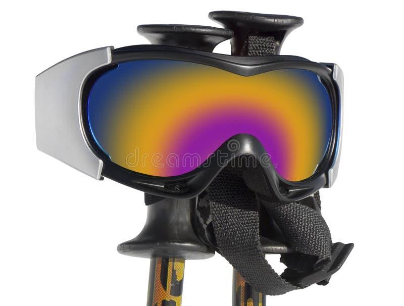 Sluit omhoog van de skibeschermende brillen op skistokken royalty-vrije stock afbeelding