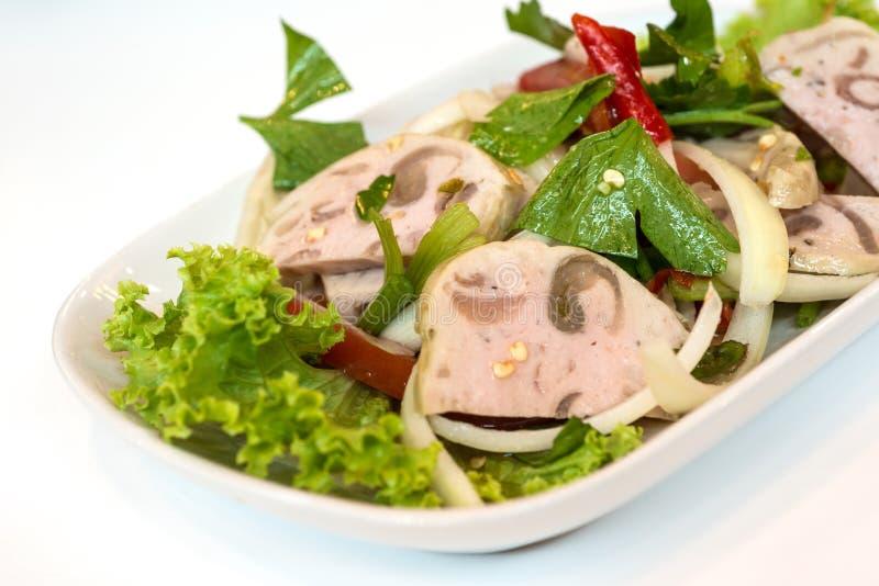 Sluit omhoog van de Thaise salade van het keuken kruidige varkensvlees royalty-vrije stock fotografie