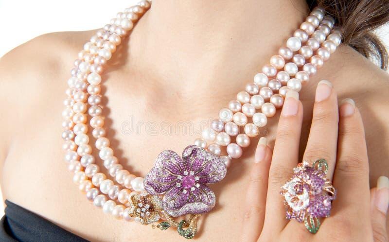 Sluit omhoog van diamanthalsband royalty-vrije stock foto