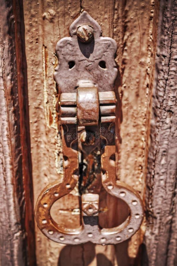 Sluit omhoog van een oude deadbolt in hdr royalty-vrije stock foto's
