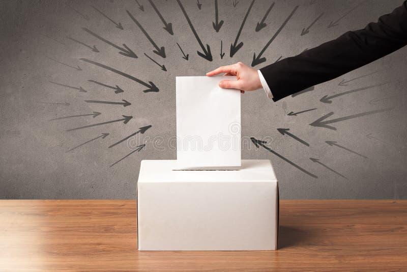 Sluit omhoog van een stembus en een beslissende stem royalty-vrije stock afbeelding