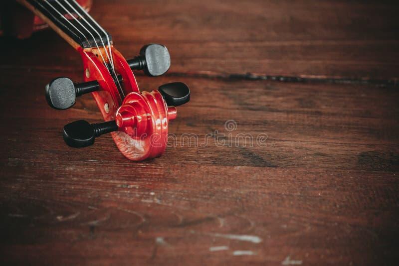 Sluit omhoog van een viool diep ondiep van gebied met exemplaarruimte stock afbeelding