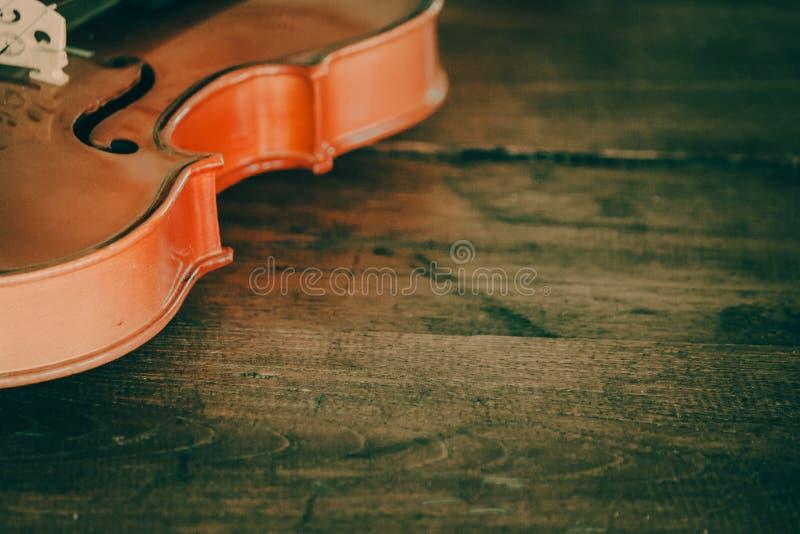Sluit omhoog van een viool diep ondiep van gebied met exemplaarruimte royalty-vrije stock afbeelding