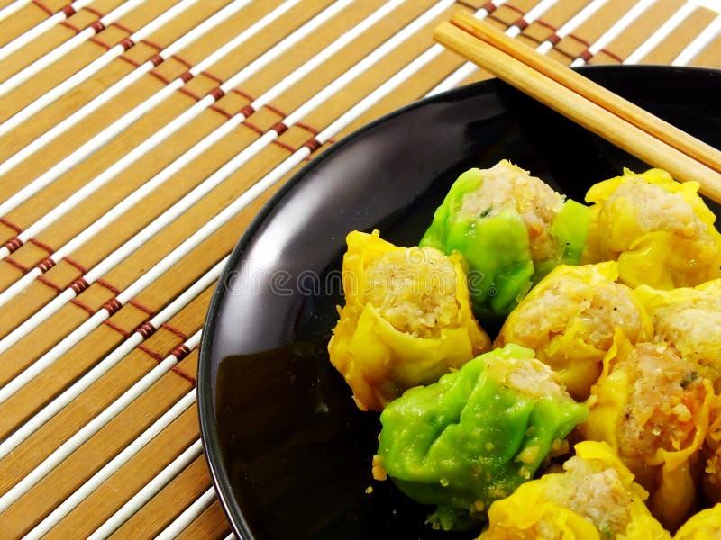 Sluit omhoog van het dim sum Chinees voedsel van shumaibollen stock foto's