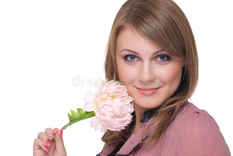 Sluit omhoog van jonge mooie vrouw met bloem stock foto's