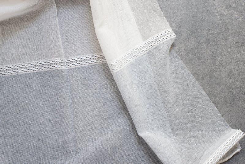 Sluit omhoog van Mooi Tulle De zuivere Steekproef van de Gordijnenstof Textuur, achtergrond, patroon Binnenlands ontwerp Uitsteke stock foto's