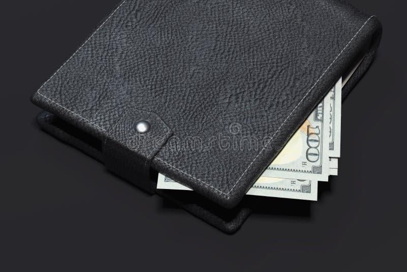 Sluit omhoog van portefeuille met contant geldgeld dat op zwarte achtergrond wordt geïsoleerd het 3d teruggeven stock afbeeldingen