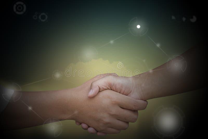 Sluit omhoog van zakenlieden die handen schudden stock afbeeldingen