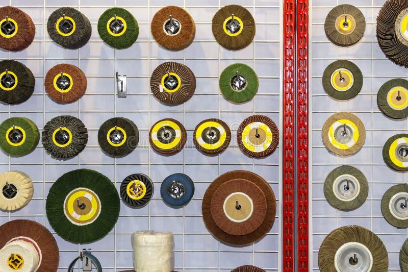 Sluit omhoog veel soort en vorm van hoogte - kwaliteits oppoetsend hulpmiddel voor het industriële werk stock foto