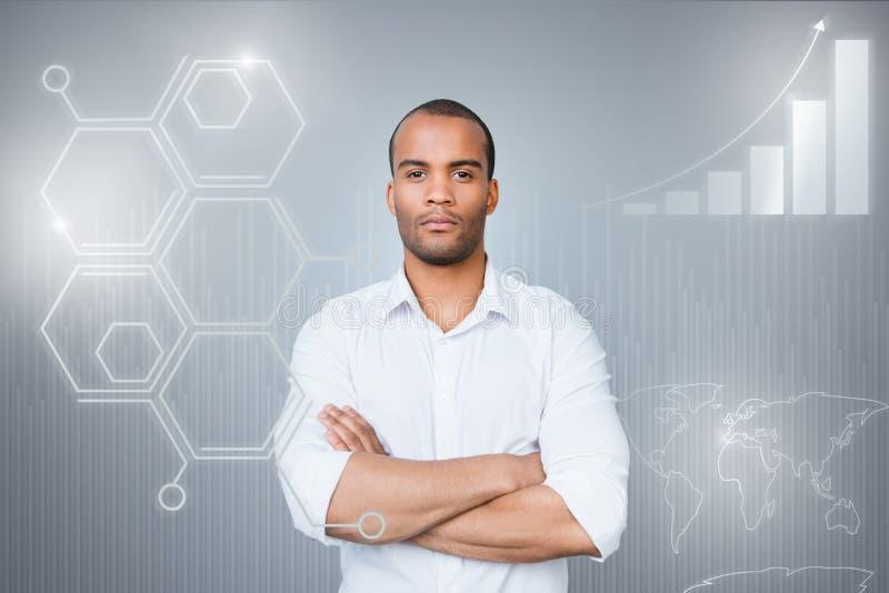 Sluit omhoog virtuele uitgevoerde ontwerp gestileerde grafische foto hij hem zijn mulatkerel sociale marketing futuristische hand royalty-vrije stock foto's