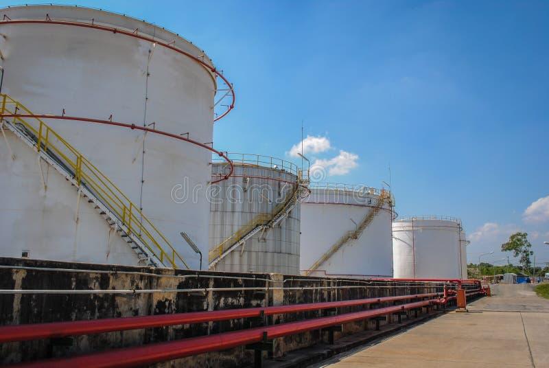 Sluit raffinaderijen omhoog groot vat royalty-vrije stock foto